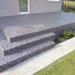 Kamienny dywan na tarasie lub balkonie